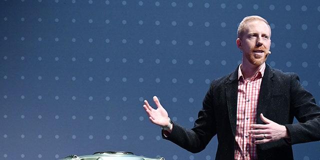David Byron, industrial design manager for Sundberg-Ferar, speaks about the Hyundai Elevate.