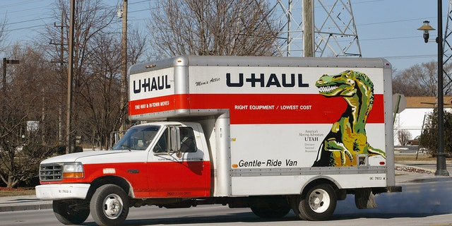 A truck departs from a U-Haul store in Morton Grove, Ill., Jan. 23, 2003. (Getty Images)