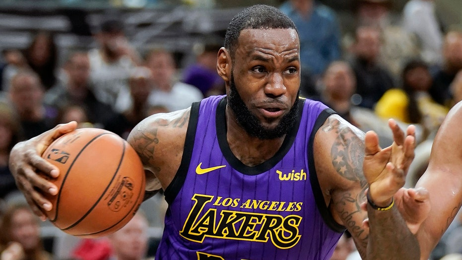 2ba21e33f613 LeBron James trade rumors swirl as Lakers  negotiations for new ...