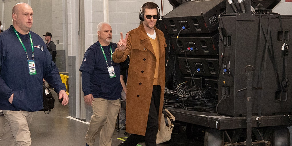 c2c096f0038 Tom Brady arrived at Super Bowl in  13G-plus outfit