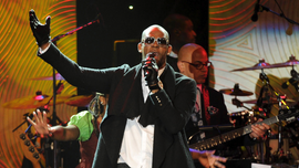 Timeline of R. Kelly's life and career