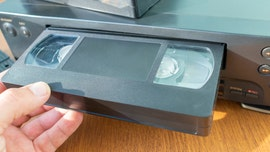 86-year-old orders VHS player from eBay, sends touching letter to seller after finally re-watching home videos