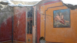 Pompeii digs uncovers mythical hunter in long-lost fresco