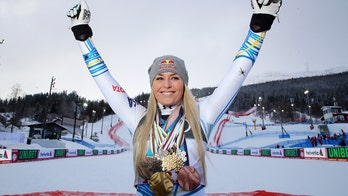 Lindsey Vonn teases return to Sports Illustrated Swimsuit Issue in racy photo