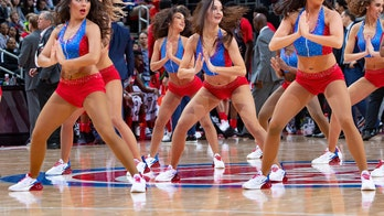 Detroit Pistons dancer gets engaged during timeout