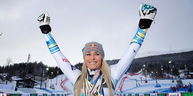 Lindsey Vonn sends fans into frenzy after tweeting her phone number