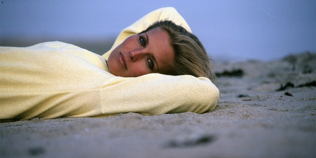 Bo Derek Talks Becoming A Sex Symbol After 10 Fame, Walking The Runway And -7544