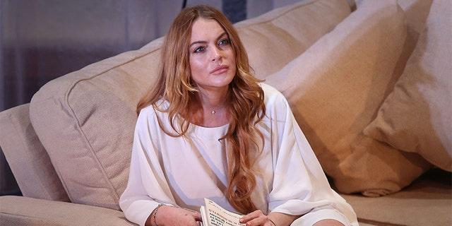 Lindsay Lohan is unhappy wit her mom's boyfriend.