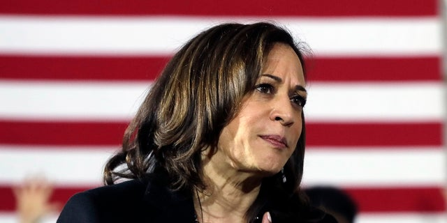 Democratic presidential candidate Sen. Kamala Harris, D-Calif., Listed at a question on a campaign event in Portsmouth, NH, Monday, Feb. 18, 2019. (AP Photo / Elise Amendola)