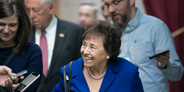 In questo feb. 6, 2019, photo House Appropriations Committee Chair Nita Lowey, D-N.Y., head of the bipartisan group of House and Senate bargainers trying to negotiate a border security compromise in hope of avoiding another government shutdown, walks with reporters to a Democratic Caucus on Capitol Hill in Washington. Lowey announced Thursday she would not seek another term.