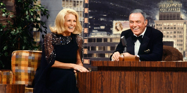 THE TONIGHT SHOW STARRING JOHNNY CARSON -- Actress Angie Dickinson, guest host Frank Sinatra on Nov. 14, 1977. — Getty