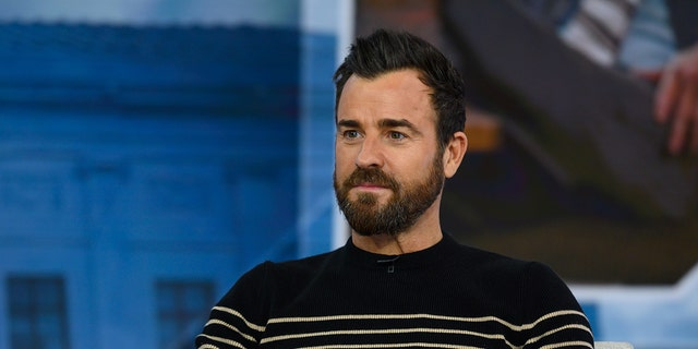 Justin Theroux said in a sworn statement given to a Manhattan civil court that he has overheard his lawyer-neighbor Norman Resnicow abusing his wife.