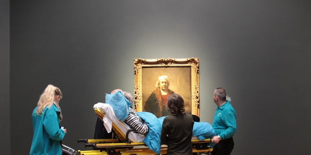 The charity brought over 50 patients to see the museum's Rembrandt display in 2015.