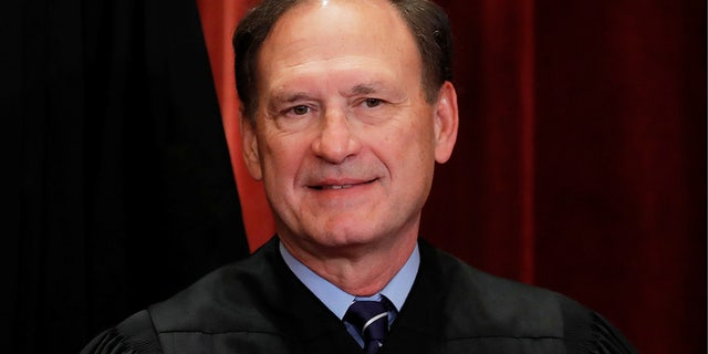 U.S. Supreme Court Associate Justice Samuel Alito, Jr is seen during a group portrait session for the new full court at the Supreme Court in Washington, U.S., November 30, 2018. REUTERS/Jim Young - RC1766ACD600