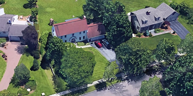 This single family house built on 1981 and located in Burlington, Vermont, is listed to Bernard and Jane Sanders.