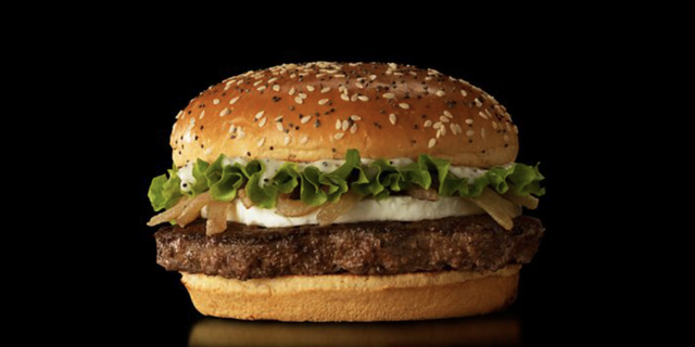Part of Spain's signature collection,this goat cheese burger comes with a third-pound beef patty topped with grilled onions, lettuce, smoky onion mayo, and a healthy portion of creamy goat cheese.