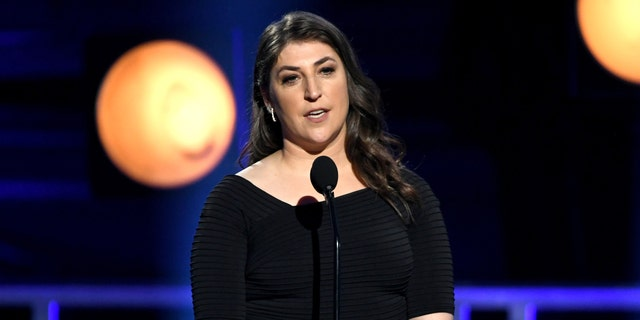 ActressMayim Bialik is speaking out against the violence occurring between Israel and Palestine over the last week.