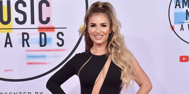Jessie James Decker attends the 2018 American Music Awards at Microsoft Theater on October 9, 2018 in Los Angeles, California.