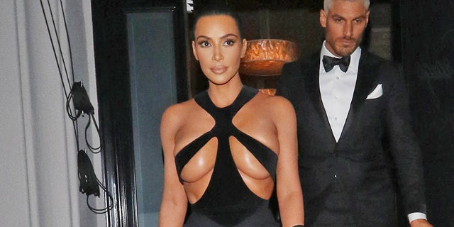 Kim Kardashian's daring look was reimagined by one hilarious mommy blogger.