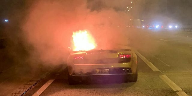 150 000 Lamborghini Bursts Into Flames Moments After Leaving Garage