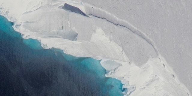 The Thwaites Glacier is seen above.