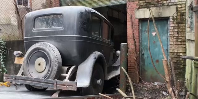 1927 Packard Unearthed From Historic Philadelphia Building