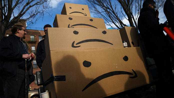 FTC goes after marketer for buying fake Amazon reviews