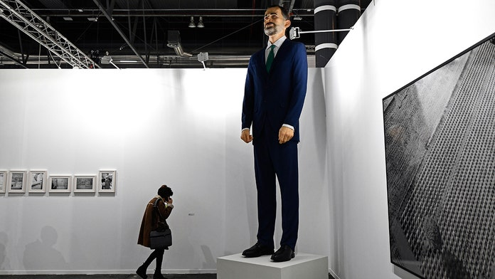 Spanish artists blasted for selling 14ft statue of king for $230G on condition buyer will burn it