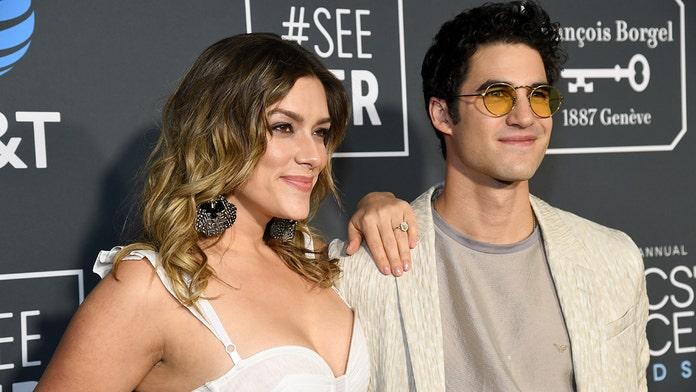'Glee,' 'Assassination of Gianni Versace' star Darren Criss marries longtime girlfriend