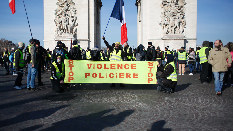 'Yellow vest' protests condemned for anti-Semitic abuse, anti-police attacks