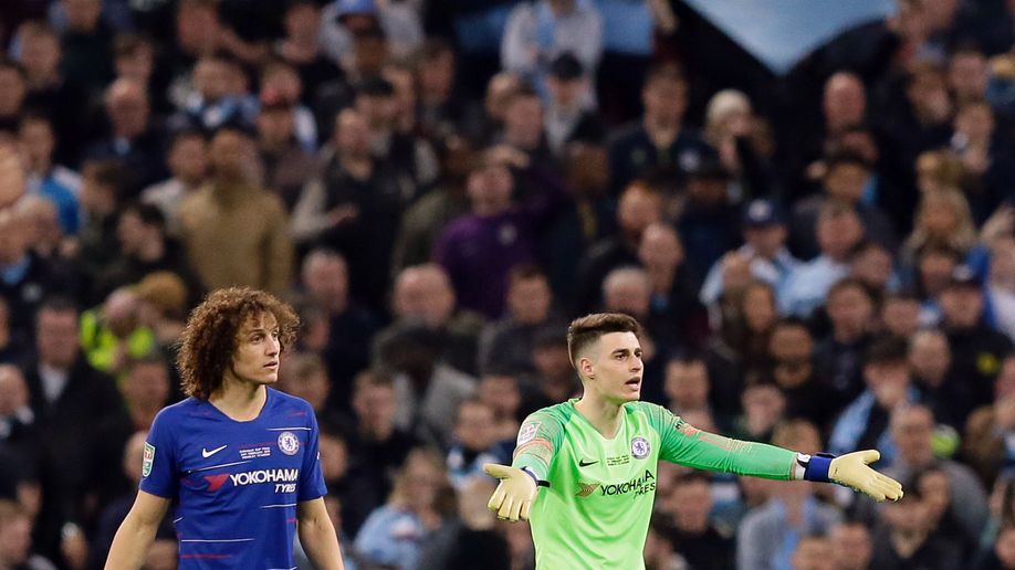 Sarri happy to see Chelsea players and fans united after Spurs victory