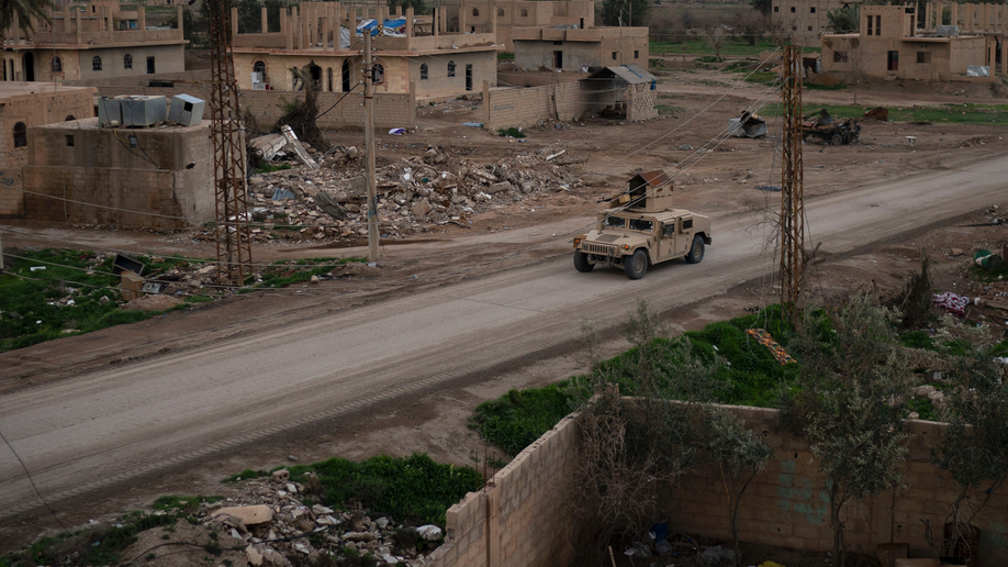 Last ISIS Fighters Demand Evacuation From Devastated Village to Rebel-held Syria