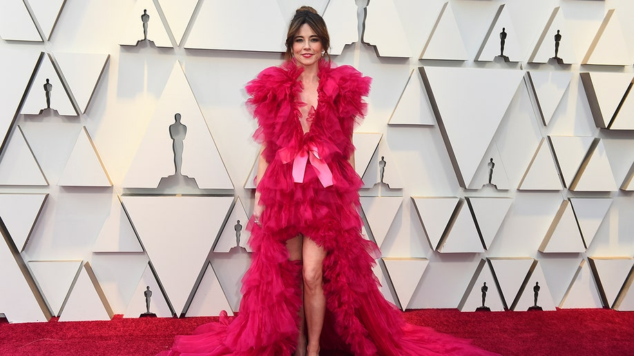 Linda Cardellini arrives at the Oscars on Sunday, Feb. 24, 2019, at the Dolby Theatre in Los Angeles. (Photo by Jordan Strauss/Invision/AP)