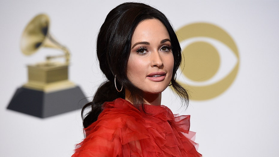 Kacey Musgraves joins celeb pile-on against Ted Cruz, hawks T-shirts to raise storm-relief cash