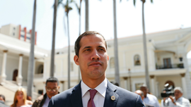 Venezuelan forces search homes of 2 opposition figures