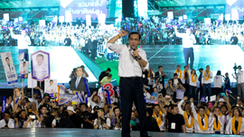 Thai parties hold final campaign rallies before election