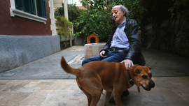 Lebanese politician Joumblatt mourns canine 'comrade'