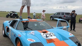 2006 Ford GT sets standing-mile record at 300.4 mph