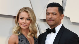 Kelly Ripa posts shirtless pic of husband Mark Consuelos: 'You've been warned'