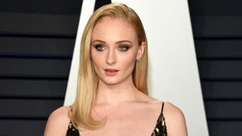 Sophie Turner wants to join Hilary Duff in 鈥楲izzie McGuire鈥� revival and play Miranda: 鈥業鈥檓 here and available鈥�