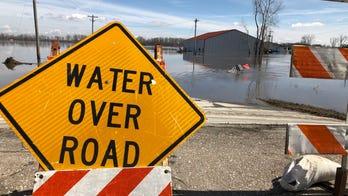 Midwest floods devastate Nebraska city, leaving many without homes