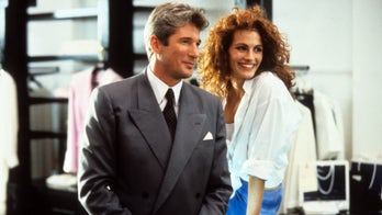 Julia Roberts hung out with real prostitutes to prepare for 'Pretty Woman' role