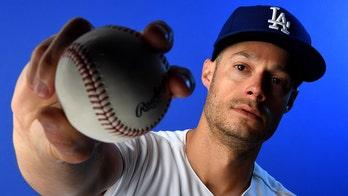 Los Angeles Dodgers' Joe Kelly suffers strange injury during spring training