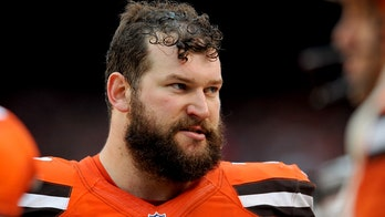 Former All-Pro offensive lineman Joe Thomas looks radically different from NFL days