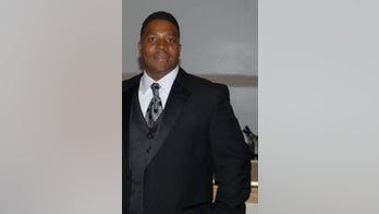 Strip-joint extortion probe nets Chicago-area mayor's relatives, consultant, 2 police officers
