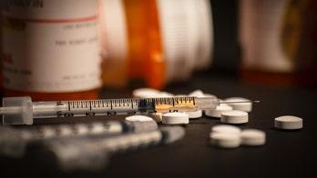 Dr. Marc Siegel heralds opioid progress in year following Trump's emergency declaration