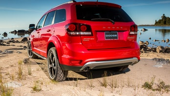 Fiat Chrysler recalling nearly 900,000 vehicles with emissions issue