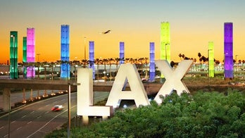 Lightning briefly knocks out power at Los Angeles International Airport, forces plane to return