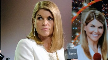 Lori Loughlin's 'options are limited' after pleading not guilty in college admissions scam, legal experts say