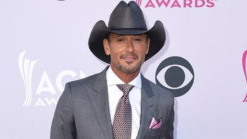 Tim McGraw shows off fit physique, credits 'grit and grace' for body transformation
